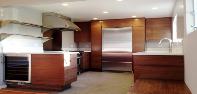 custom-kitchen-cabinets-vs-prefabricated-kitchen-cabinets.jpg